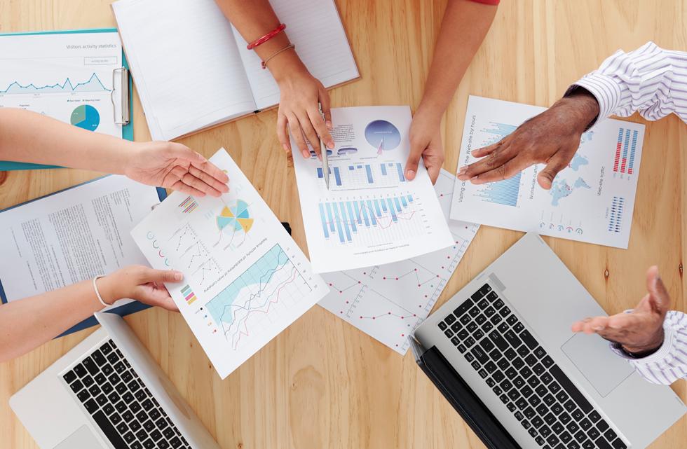 ¿Cuál es el objetivo de los informes anuales de una empresa?